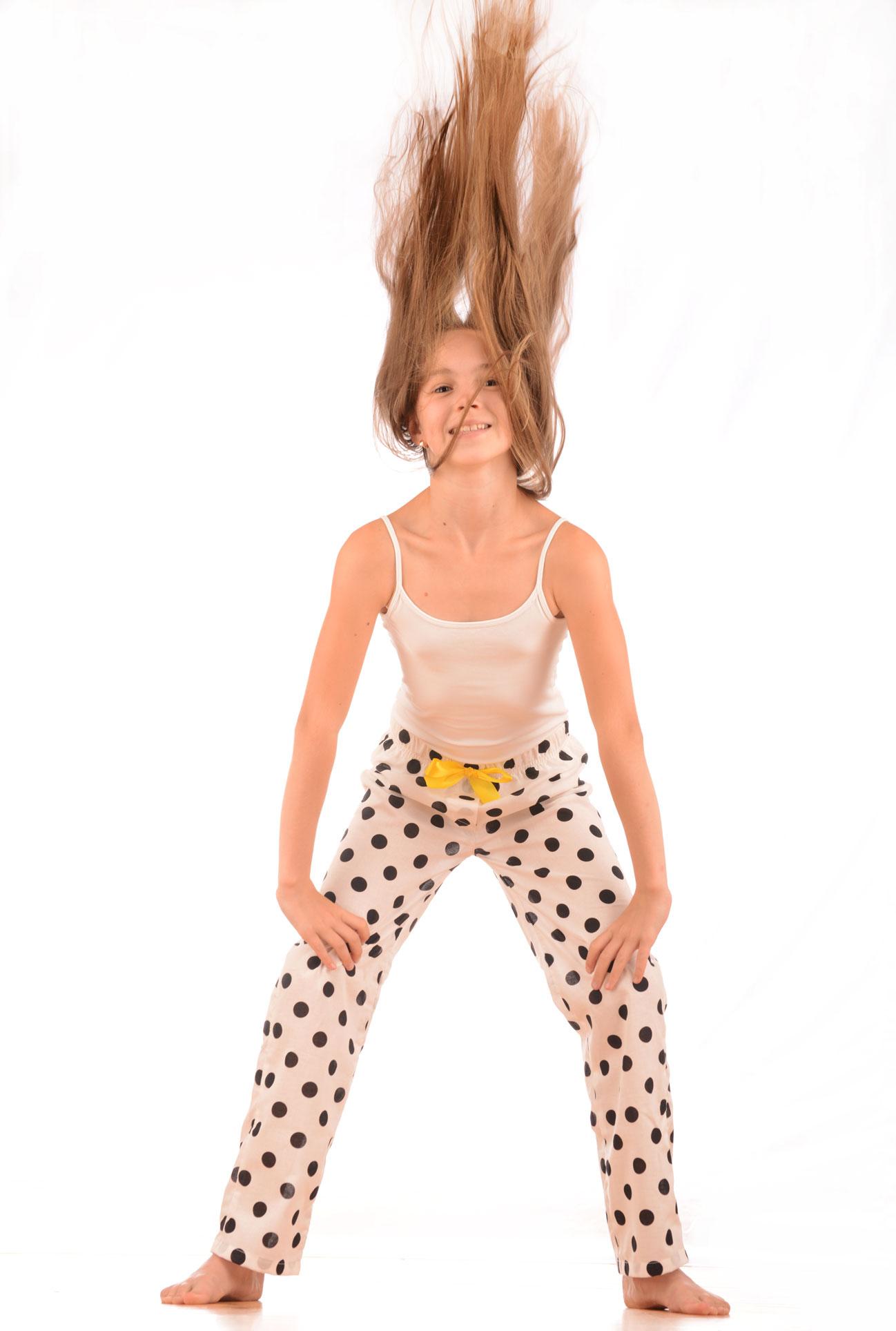 Dívčí pyžamové kalhoty - puntík černý